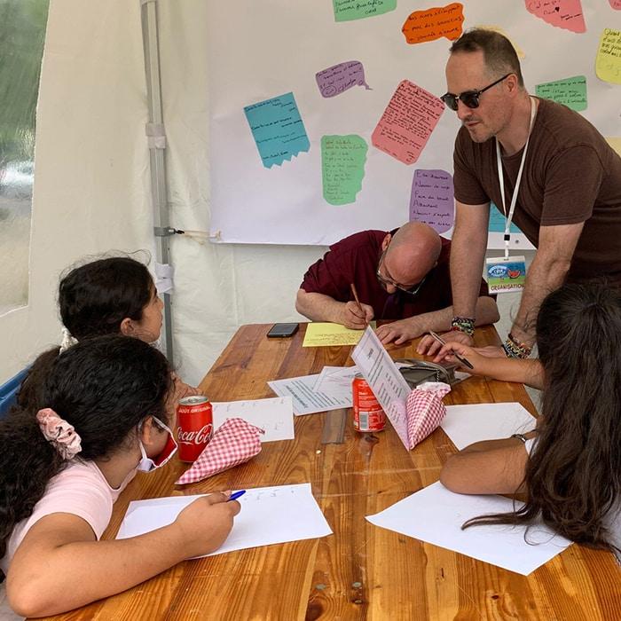 Atelier poétique durant l'évènement « Antirouille » à Créteil au Parc des Sarrazins le 19 août 2020.